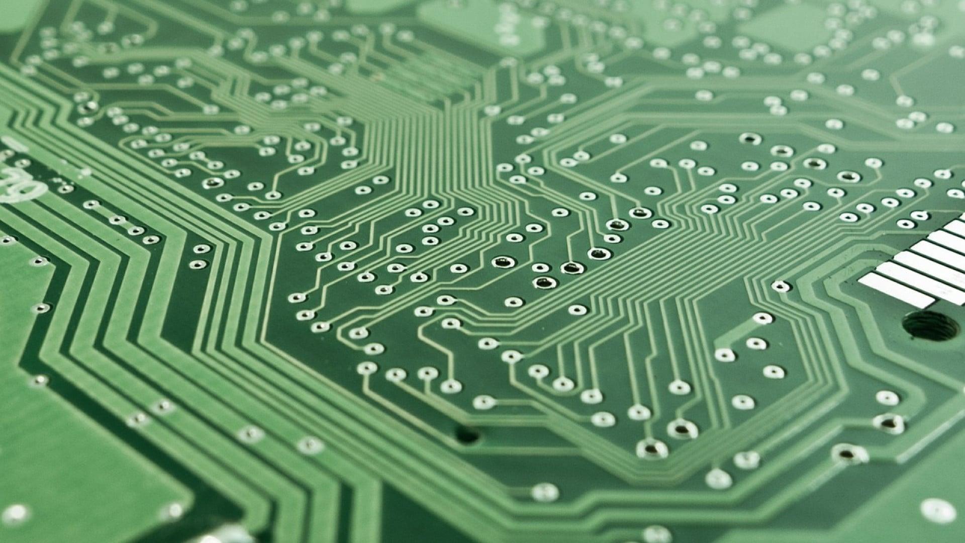 Le ballast électronique est nécessaire pour envoyer un courant basse tension
